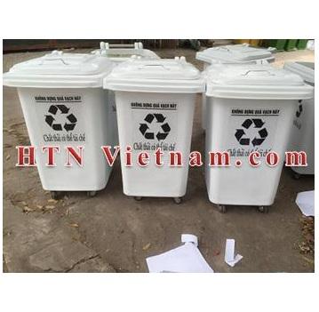 http://htnvietnam.com/upload/images/Cabin%20-%20Nh%C3%A0%20v%E1%BB%87%20sinh/thung-rac-60L-trang-banh-xe-HTN-VN.JPG