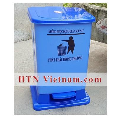 http://htnvietnam.com/upload/images/Cabin%20-%20Nh%C3%A0%20v%E1%BB%87%20sinh/thung-rac-y-te-dap-chan-HTN-VN-xanh-duong.jpg
