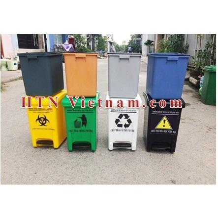 http://htnvietnam.com/upload/images/Cabin%20-%20Nh%C3%A0%20v%E1%BB%87%20sinh/thung-rac-y-te-xanh-vang-den-trang-HTN.jpg