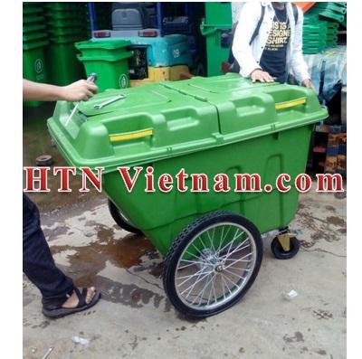 http://htnvietnam.com/upload/images/Cabin%20-%20Nh%C3%A0%20v%E1%BB%87%20sinh/xe-gom-rac-400l-hdpe-HTN.jpg