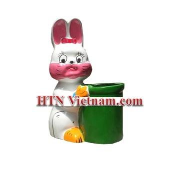 http://htnvietnam.com/upload/images/Thung%20cho%20hang%20%2B%20h%C3%ACnh%20th%C3%BA/Thung-rac-composite-hinh-tho-trang-HTN.jpg