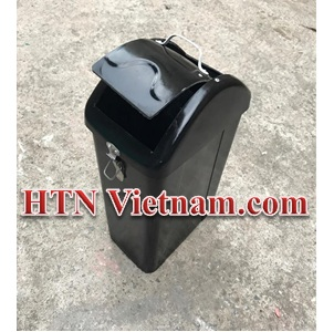http://htnvietnam.com/upload/images/Thung%20rac%20ngoai%20troi/thung-rac-15l-nap-lat-composite-HTN-VN(1).jpg